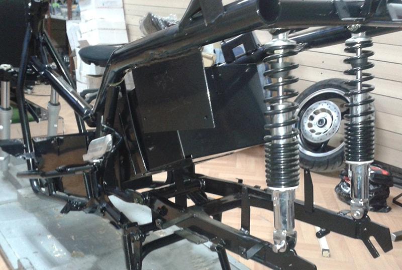 сглобяване на електрически мотоциклет