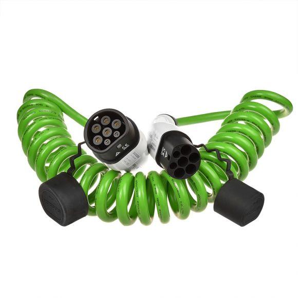 спираловиден кабел към зарядна станция с контакт