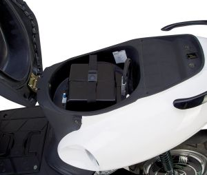 задна батерия под седалката 48 волта