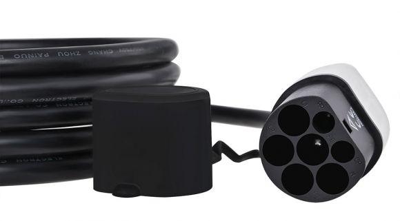 конектор тип 2 за свързване към зарядната станция
